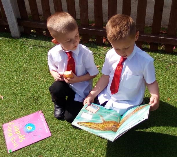 Year 1 Reading Outside